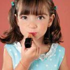 menina-maquiagem