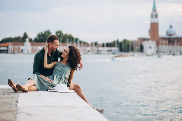 Casal aproveitando Veneza
