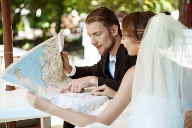Jovem casal recém casados