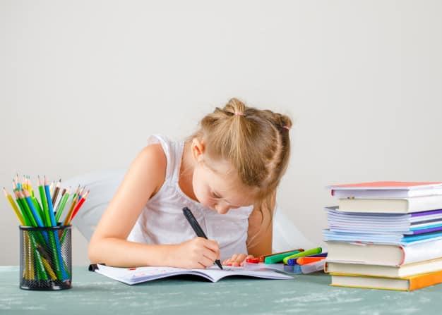 Economizar na Hora de Comprar o Material Escolar