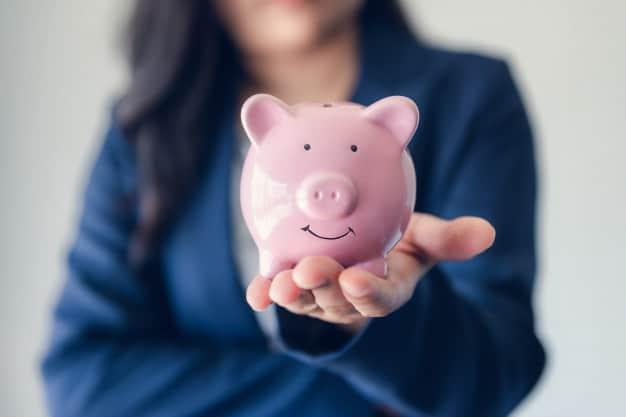 Como Economizar Dinheiro sem Apertar os Cintos