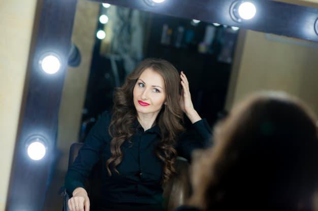 Aplique a Maquiagem Como um Profissional
