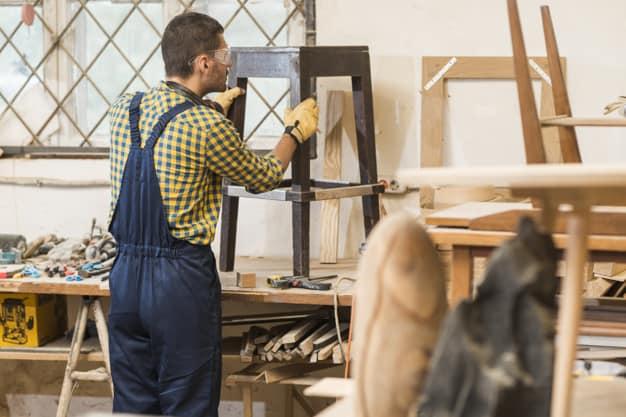Como pintar móveis antigos