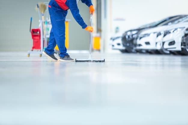 como limpar piso de porcelanato