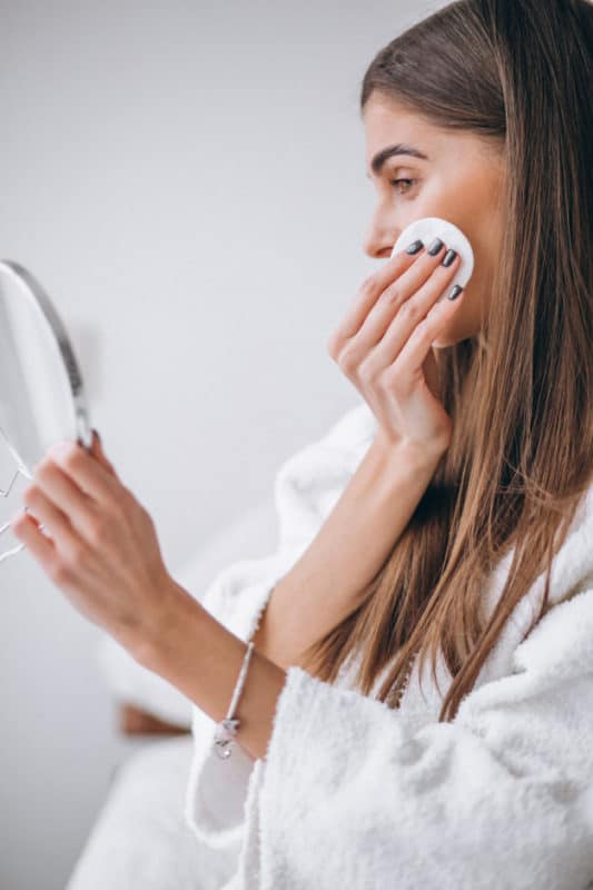 removendo a maquiagem
