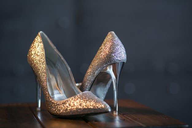 Prata e dourado: os sapatos que estão em alta!