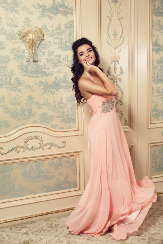 Como escolher o vestido de madrinha ideal para você