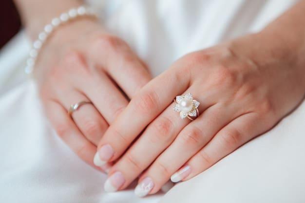 Anitta arrasa com joias de pérolas em novo clipe; saiba como usá-las em seu look!