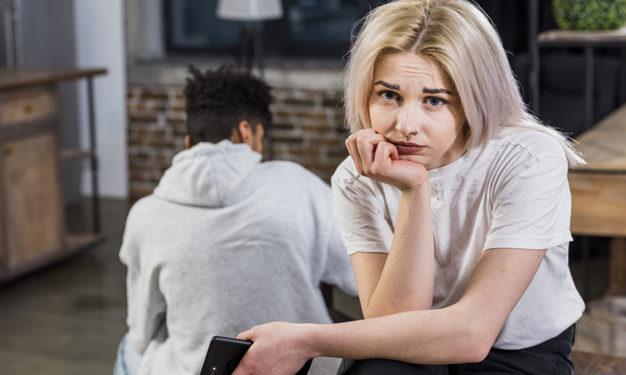 7 sinais de infidelidade que são muito comuns