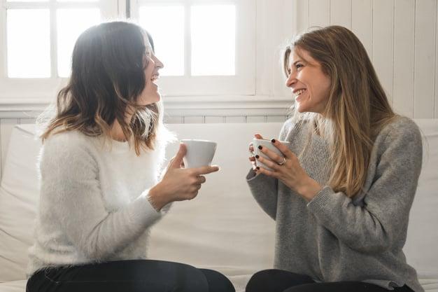 mulher conversando