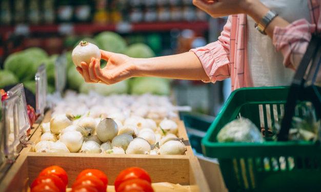 Como evitar desperdício de alimentos em casa