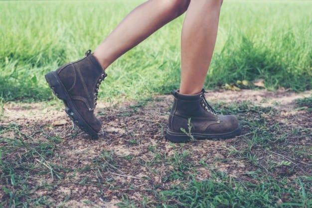 Coturno Feminino: Como usar e inspirações