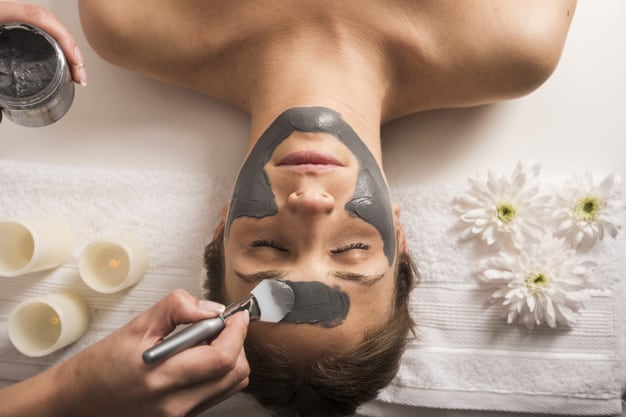 Argila no rosto: Benefícios, tipos e como usar