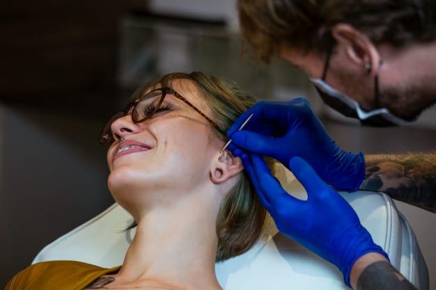 Piercing no Tragus da Orelha 1
