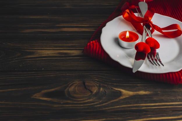 Como preparar um jantar romântico?