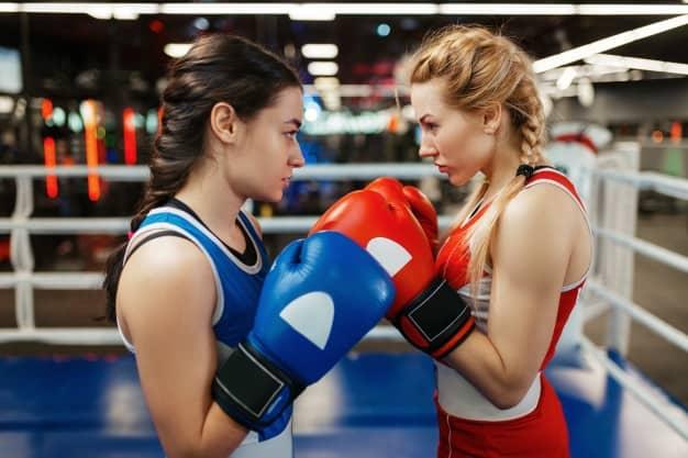 Mulheres que usam trança para lutar