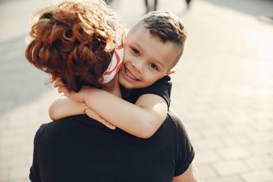 Saiba como lidar quando a criança não fala a verdade