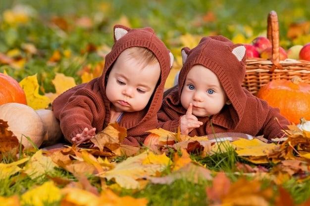 bebês fofos fantasiados