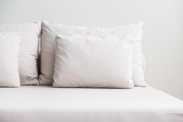 travesseiros empilhados