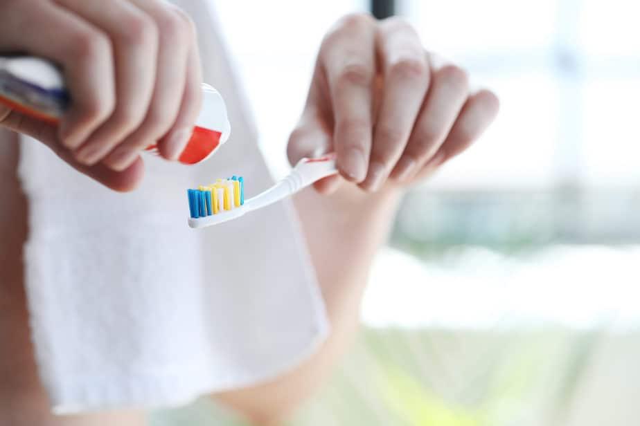 saúde bucal escova de dente creme dental
