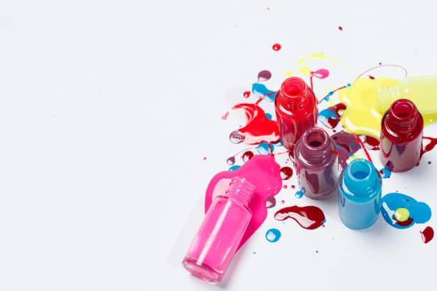 esmaltes coloridos