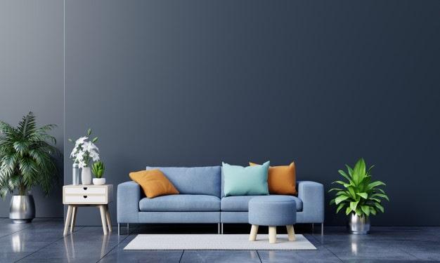 tapete simples junto a sofá azul