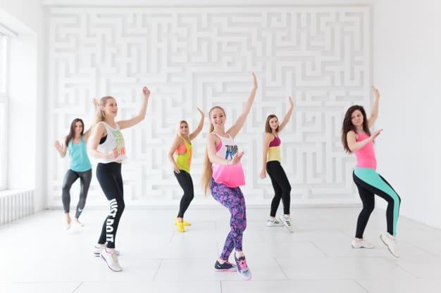 Aula de Zumba Equilibrio Atividade Física para emagrecer