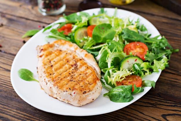 filé de frango com vegetais refluxo gastroesofágico