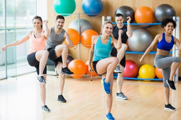 zumba class atividade física para emagrecer