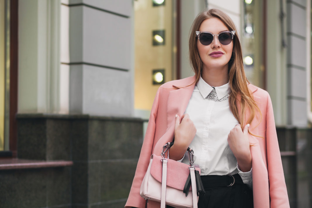acessórios femininos para trabalhar home office