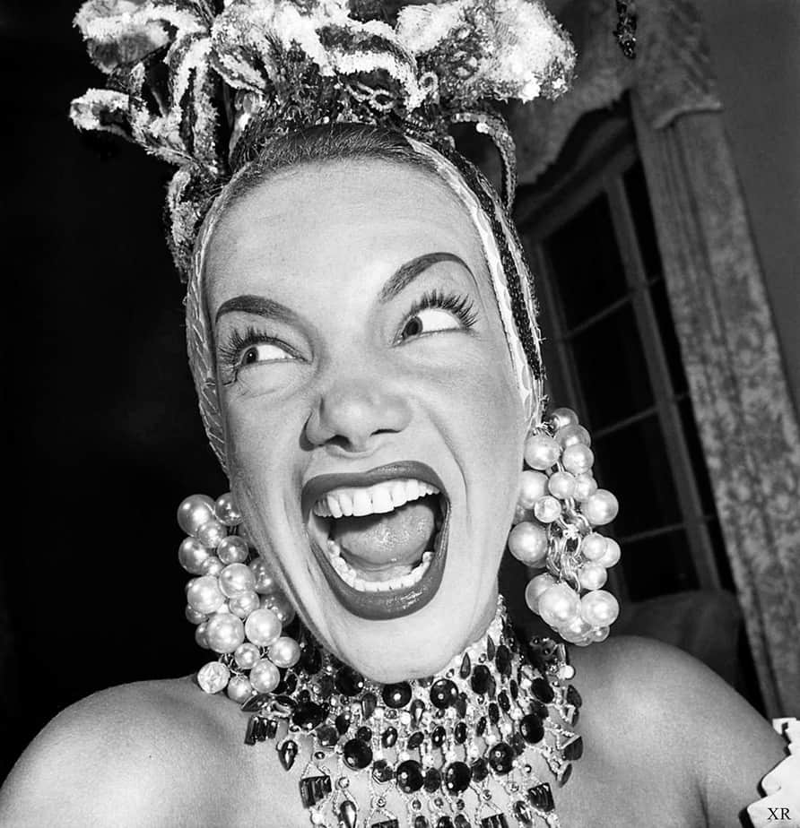 carmen miranda atriz luso-brasileira acessórios exóticos mulheres que mudaram o mundo da moda