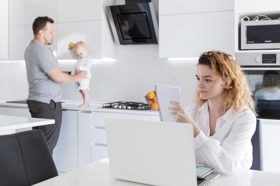 produtividade trabalhando em casa home office com criança